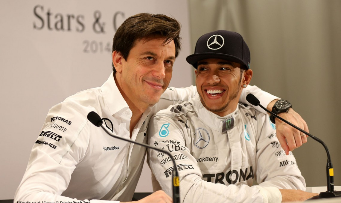 """Hamilton riscă să fie suspendat! """"Poate ar trebui să piloteze pentru Red Bull"""", spune șeful Mercedes-AMG, Toto Wolff"""