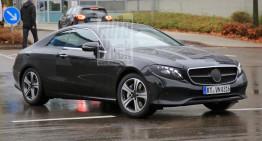 Mercedes E-Class Coupe 2018 spionat practic fără camuflaj