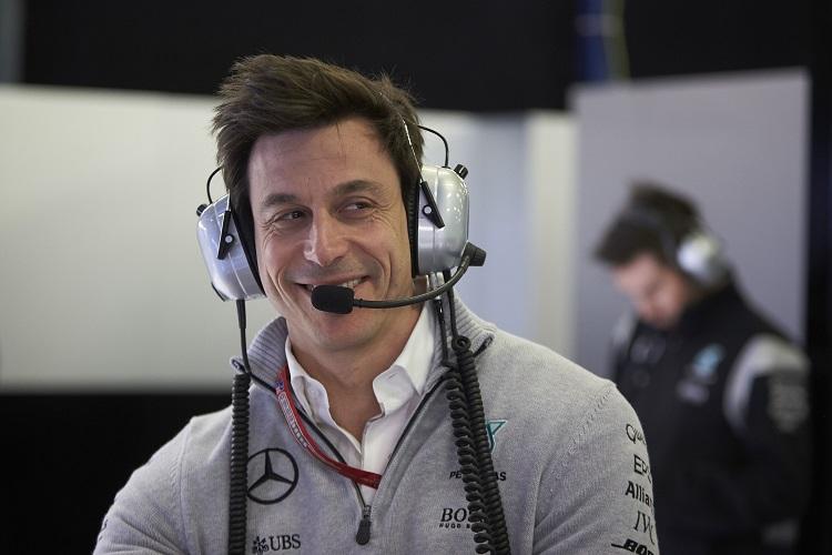 """Cine este următorul pilot Mercedes? """"Jumătate dintre piloții din Formula 1 ne-au sunat"""", spune Niki Lauda"""