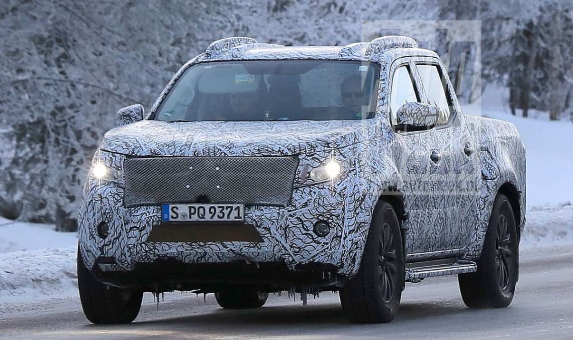 Pick-up-ul Mercedes: X-Class în haine de producție