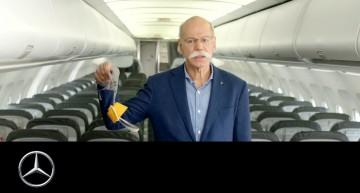 Zburați cu noi în viitor – Președintele Daimler joacă rol de însoțitor de zbor