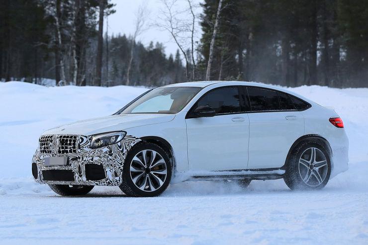 Mercedes-AMG GLC 63 Coupe: Super SUV-ul cu motor V8