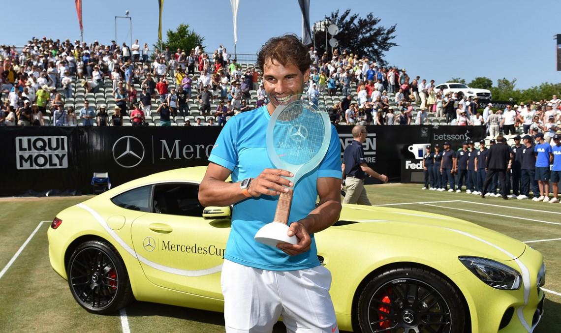 Rafa Nadal urăște culoarea Mercedes-ului primit cadou