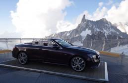 Cum duci un E-Class Cabrio în vârf de munte? Cu elicopterul!
