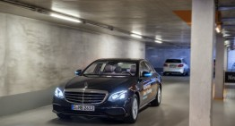 Mercedes-Benz creează prima parcare din lume în care mașinile se parchează singure