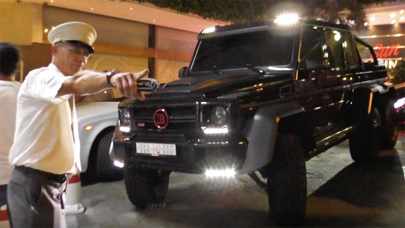 O țară prea mică pentru o mașină atât de mare! Un Mercedes G 63 AMG 6×6 nu poate parca la Monaco