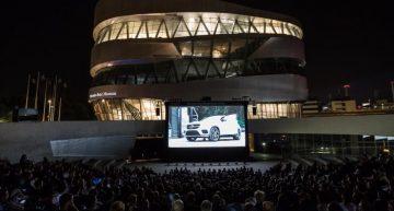 Cinematograf în aer liber la Muzeul Mercedes-Benz